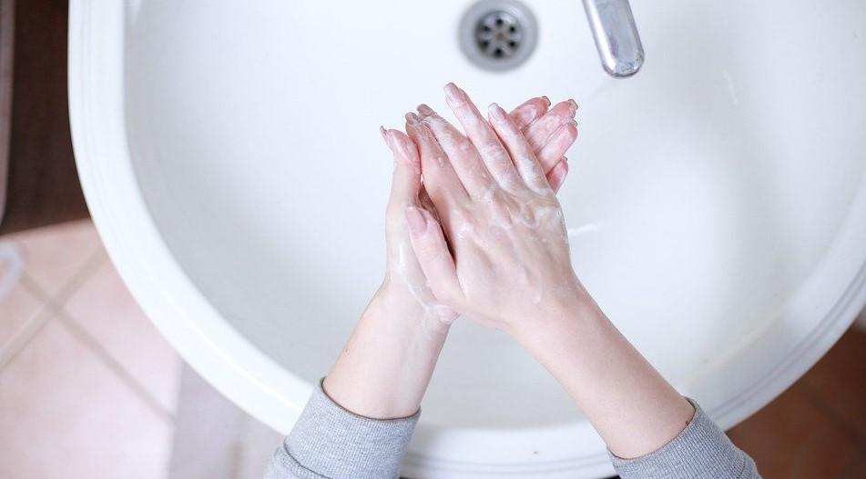 Πλένω τα χέρια μου